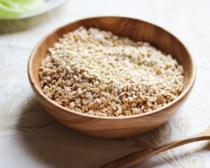 Жмых (Семена и орехи бережно отжатые на деревянном прессе)